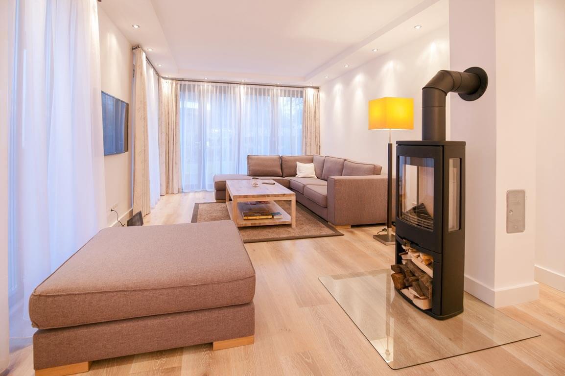 Ruegen-Binz-Ferienwohnungen-PVA01-01-Wohnzimmer-exklusiv