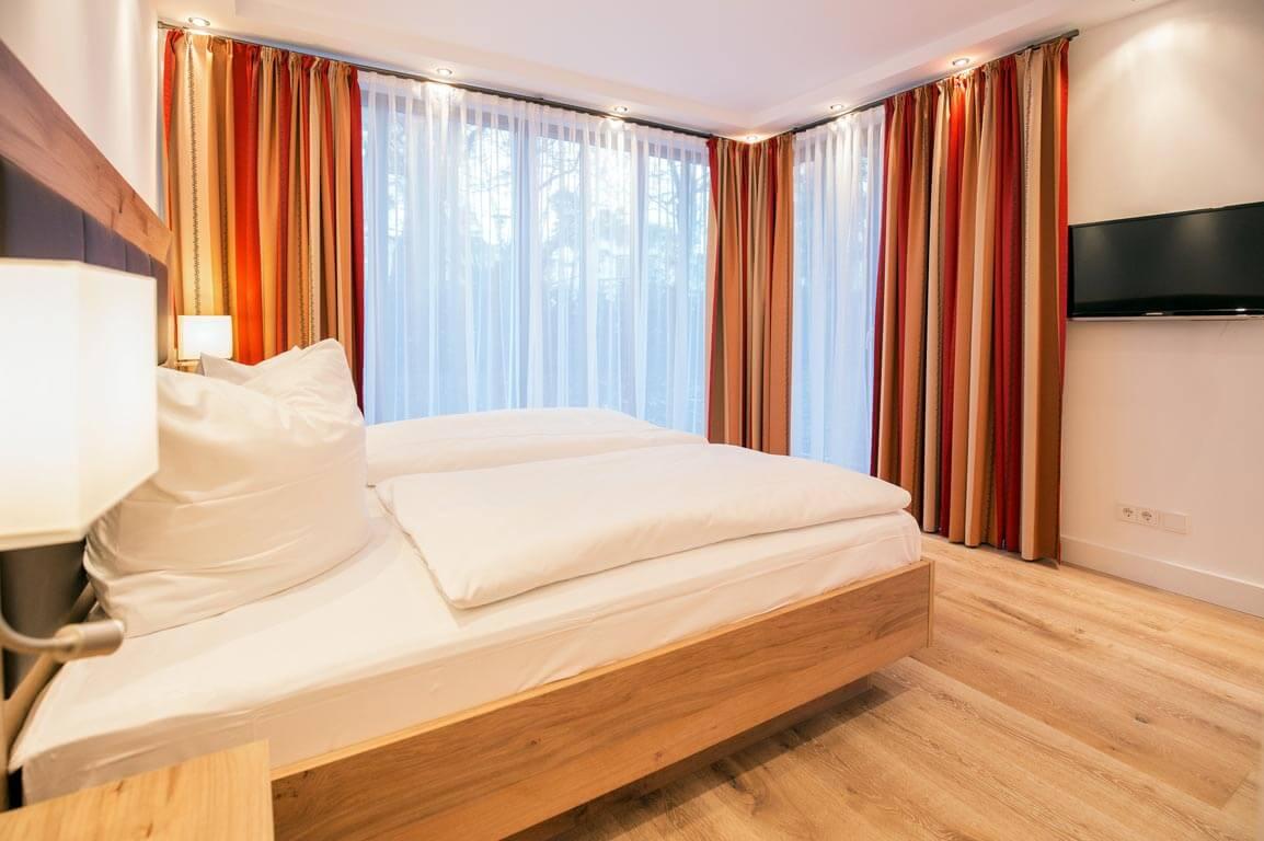 Ruegen-Binz-Ferienwohnungen-PVA01-05-Schlafzimmer-exklusiv