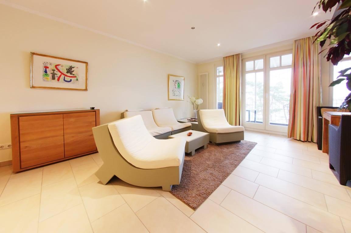 Ruegen-Binz-Ferienwohnungen-SV768-02-Wohnzimmer-exklusiv
