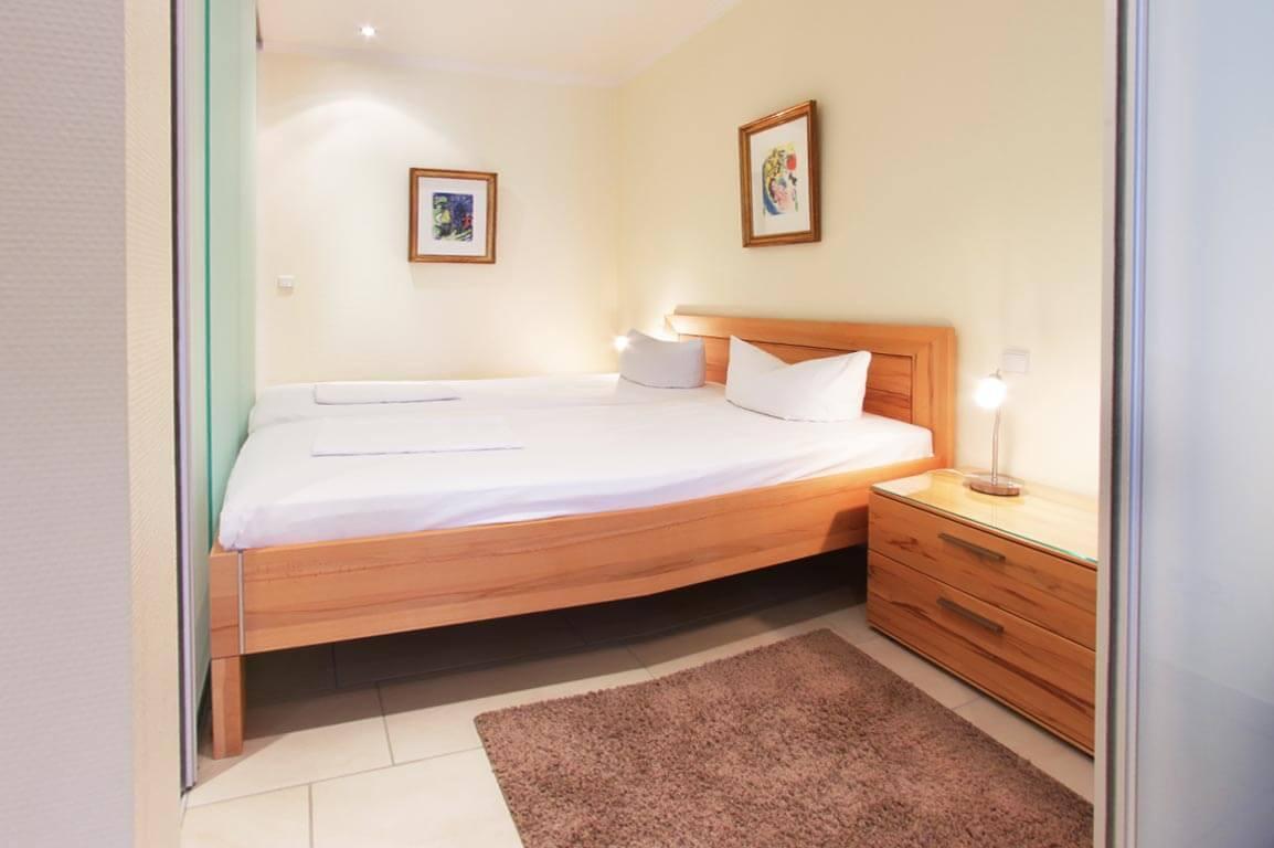 Ruegen-Binz-Ferienwohnungen-SV768-06-Schlafzimmer-exklusiv