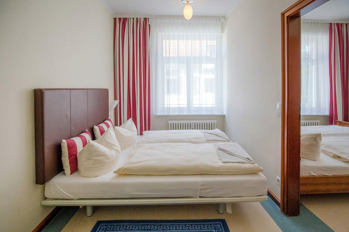 Ruegen-Binz-Ferienwohnungen-SV711-06-Schlafzimmer-exklusiv