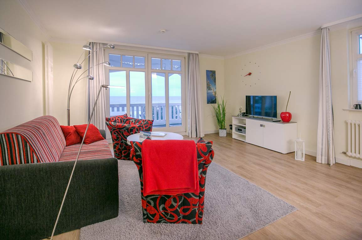 Ruegen-Binz-Ferienwohnungen-SV762-02-Wohnzimmer-exklusiv