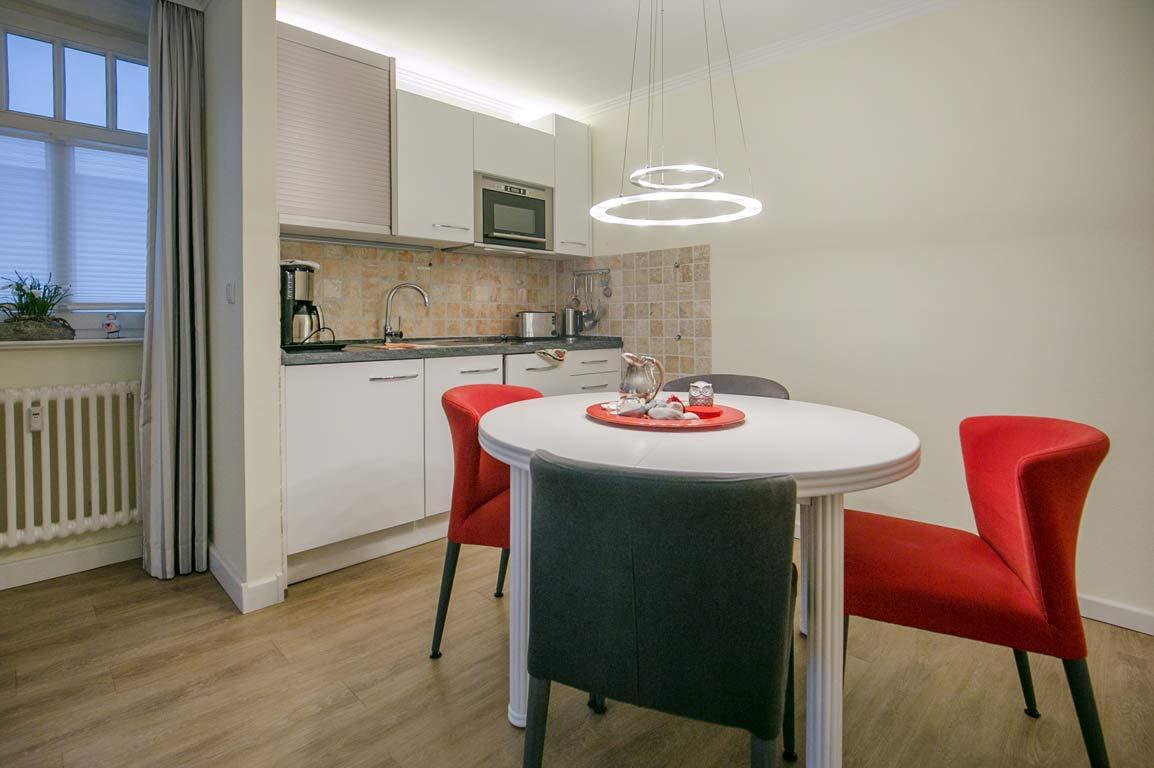 Ruegen-Binz-Ferienwohnungen-SV762-03-Kueche-Essen-exklusiv